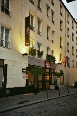 Mercure Paris Gare de L'Est Magenta : Das Hotel