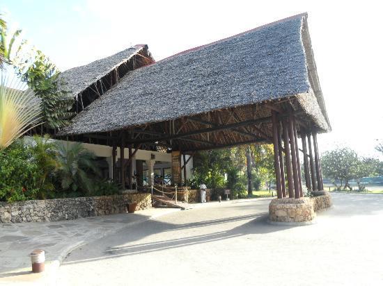 Voyager Beach Resort: hotel entrance