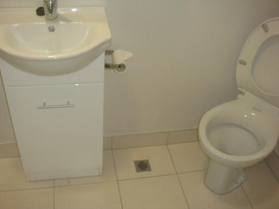 Kiwi International Hotel : Ensuite