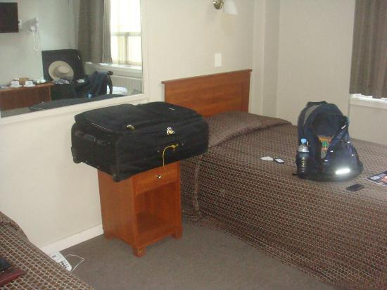Kiwi International Hotel: Twin Beds