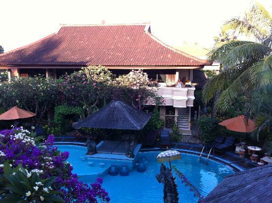 Adirama Beach Hotel: Zwembad