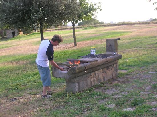 Agriturismo Bicoca: danilo al barbecue