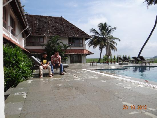 Lemon Tree Vembanad Lake Resort: Pool Area