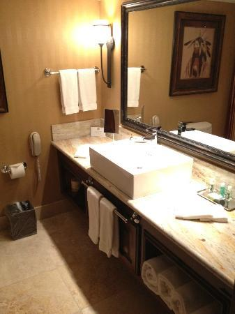 The Lodge at Jackson Hole: bathroom