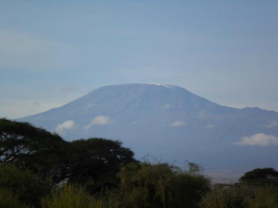 Kibo Safari Camp: Mount Kilimanjaro, view from our tent
