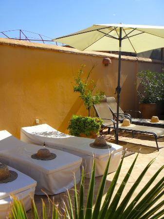 Bains de soleil du Riad Limouna