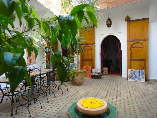 Riad Limouna: Entrée du Lounge