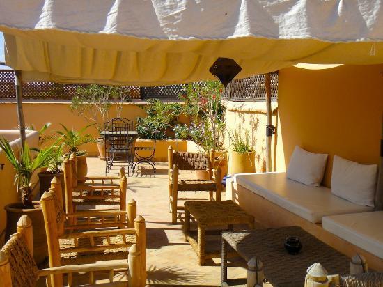 Riad Limouna: Tente berbère sur la terrasse