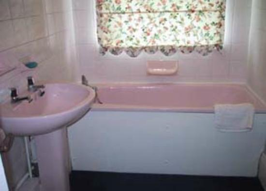 NumberFortySeven B&B: Ensuite bathroom