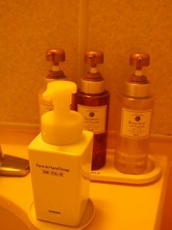 Osaka Tokyu REI Hotel: Shampoos