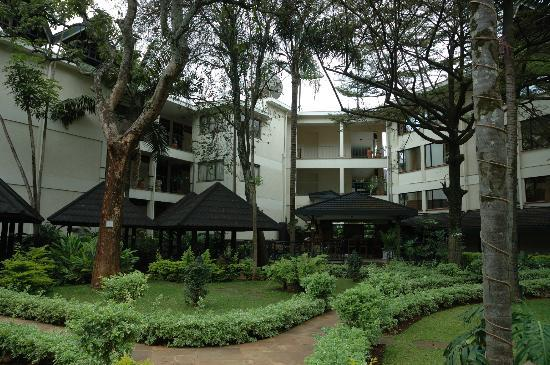 Jacaranda Nairobi Hotel: The View of the three wings of the hotel...