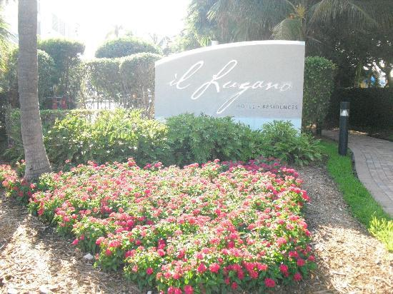 Residence Inn Fort Lauderdale Intracoastal/Il Lugano: Voortuin