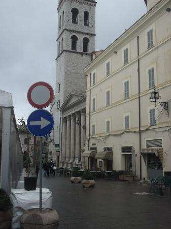 Santa Maria sopra Minerva: Veduta dalla piazza