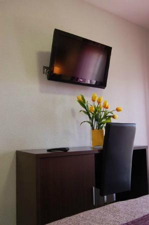 Mariami Hotel: Televisión pantalla plana