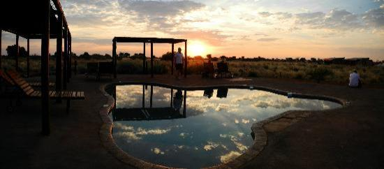 Kalahari Anib Lodge: second poll with sunset
