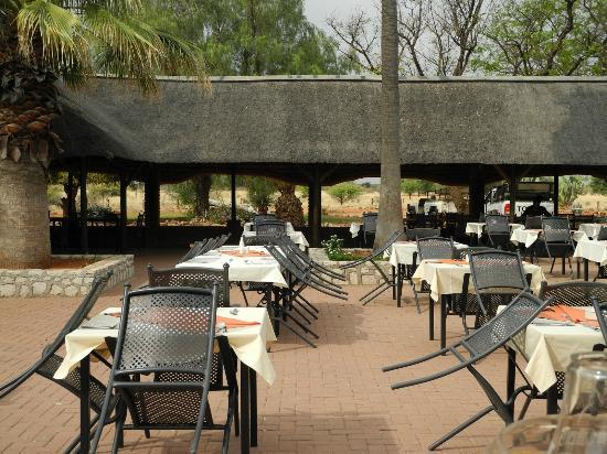 Kalahari Anib Lodge: breackfast/dinner area