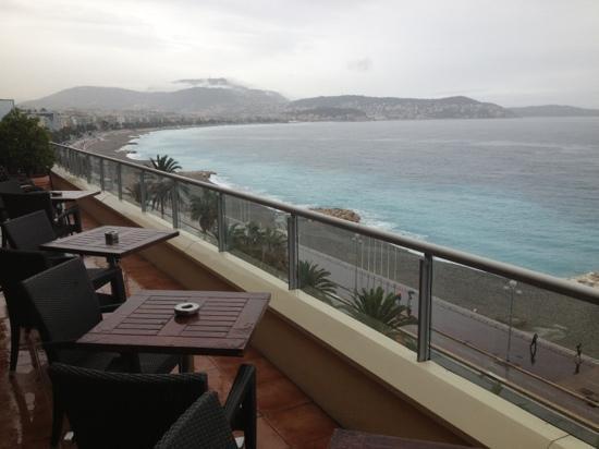 La Terrasse: un jour de pluie; mais quelle vue !