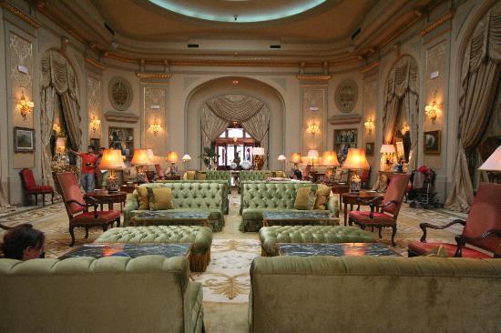 โรงแรมเอล พาเลส: Lobby