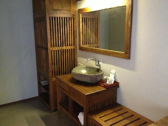 Rumah Batu Villa & Spa : where should i put my opened soap?