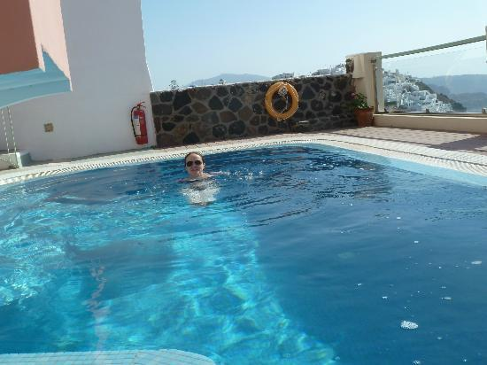 Hotel Ira: Me in the pool