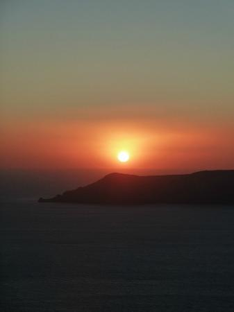 Ξενοδοχείο Ήρα: The amazing sunset from our room!