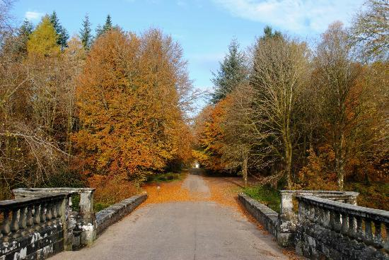 Solway House B & B: Bridge at Inveraray Castle