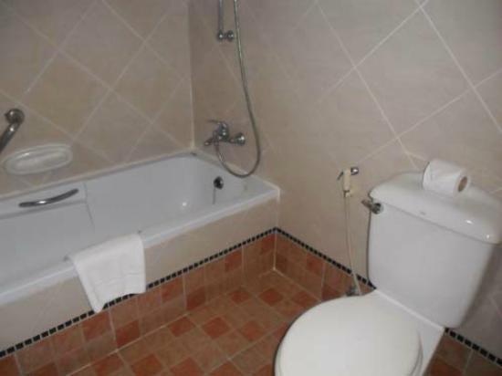 Bella Villa Prima Hotel: bathroom