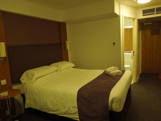 Premier Inn Edinburgh City Centre (Princes Street) Hotel: Cama confortável