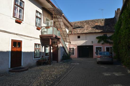 Casa Baciu: Innenhof
