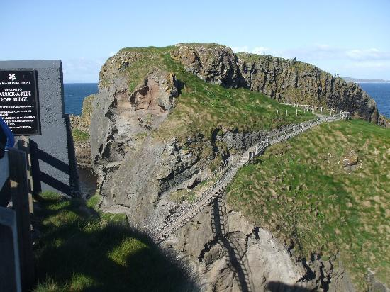 Giant's Causeway : The Carrick rope bridge.