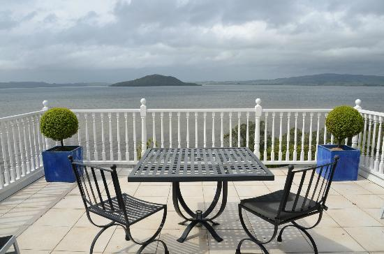Peppers on the Point - Lake Rotorua: Honeymoon suite private balcony