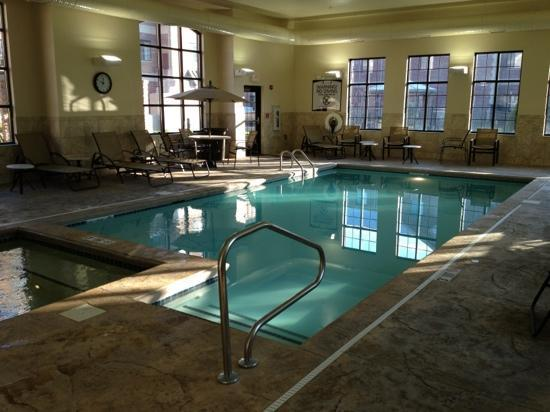 Staybridge Suites Indianapolis - Carmel: The pool at 9am - can't wait to get in!