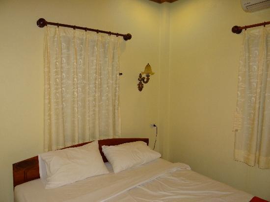 Villa Somphong: La chambre