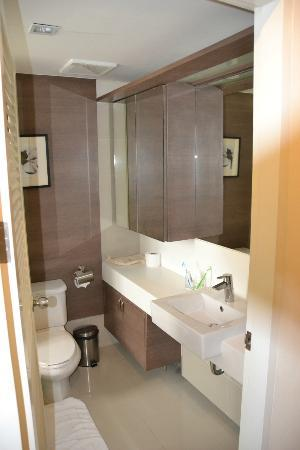 Phachara Suites: kids bathroom