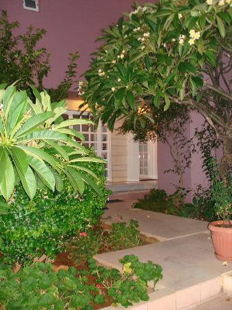 Talgo Hotel - Apartments: Eingang