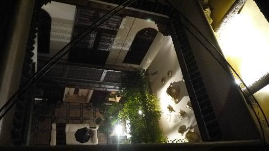 Riad 41: 밤에 더 예쁜 리아드