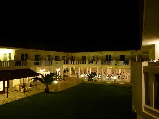 Chryssana Beach Hotel : Hotel