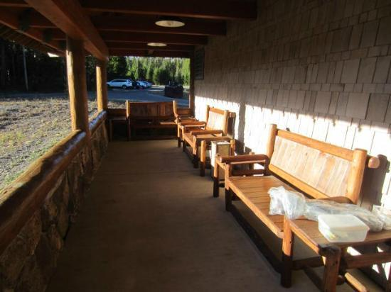 Dunraven Lodge: Porch for a morning coffee