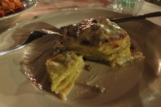 Hostaria Antica Roma: White lasagna