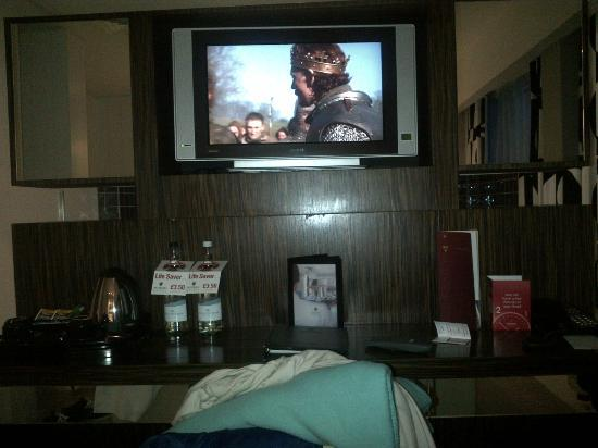 Clayton Hotel Chiswick: the biggest tv in the hotel are in the junior suit