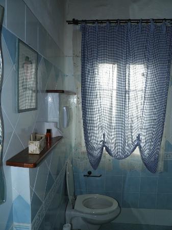 Agriturismo San Giorgio: bagno azzurro
