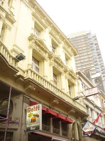Hotel Albert II: hotel front