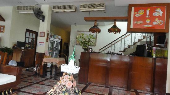 Sri Pat Guest House: Lobby