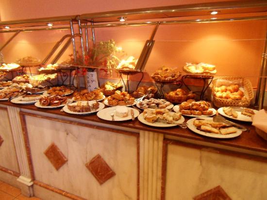 Pyramisa Suites Hotel Cairo: Frühstücksbuffet
