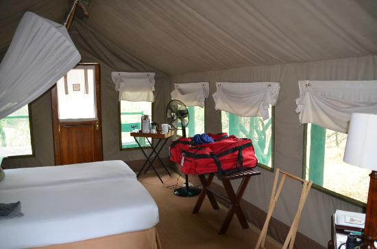 Camp Moremi: our room