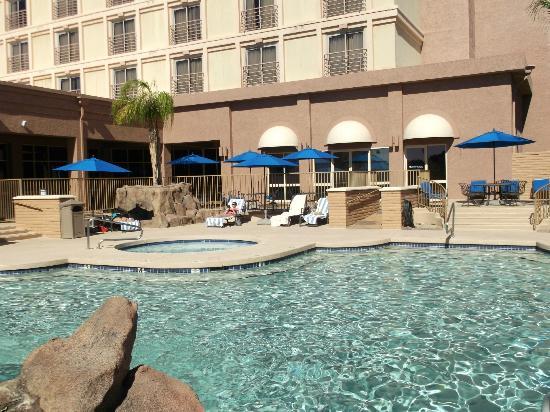 Lobby picture of hilton phoenix mesa mesa tripadvisor for Pool fill in mesa az