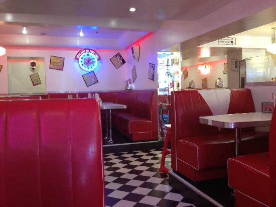 Eddie Rocket's - O'Connell Street: overall view
