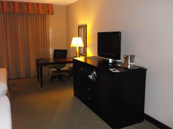 Hilton Phoenix/ Mesa: room