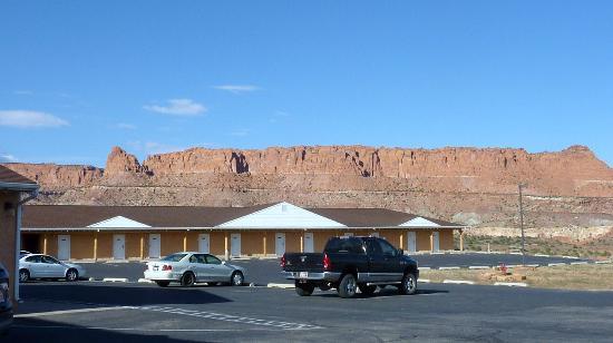 Capitol Reef Resort: Zimmeraussicht u. Parkplatz