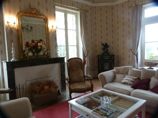 Chateau Carbonneau: Sitting room